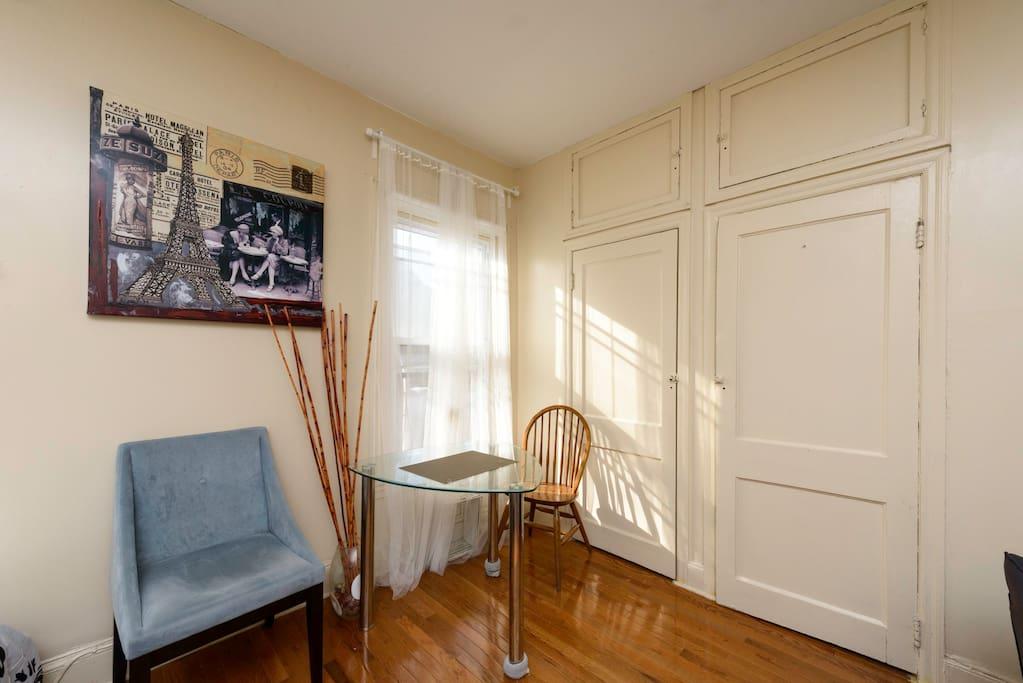 Rittenhouse/ CC.  Perfect Studio