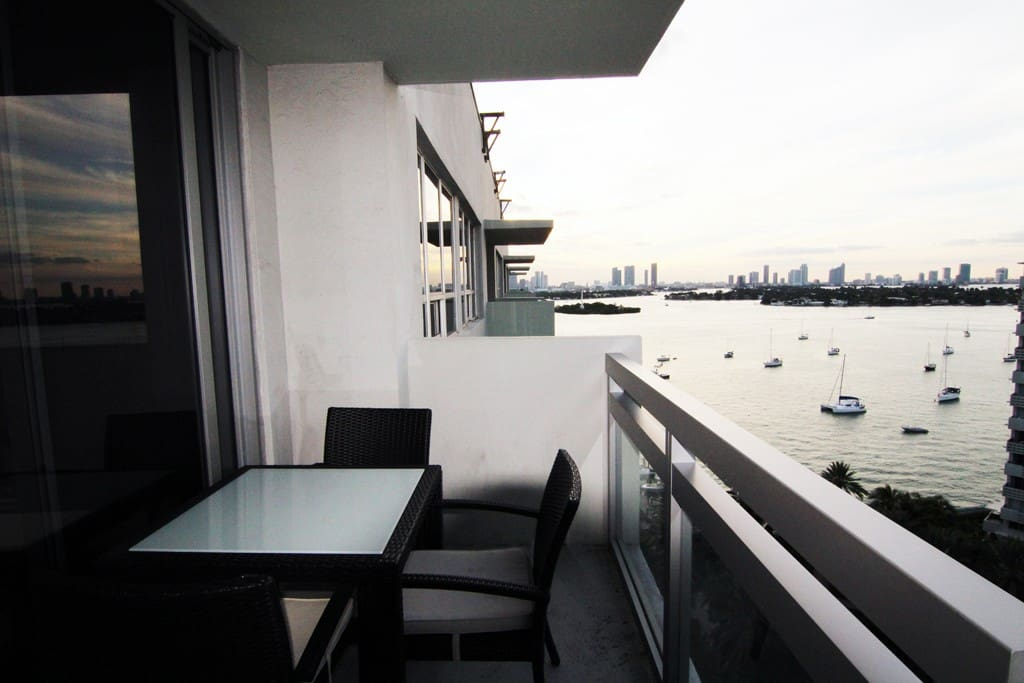 Beautiful 2br penthouse w/ Bay view