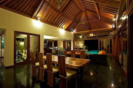 AMAZING CLIFF VILLA - JUST THE BEACH,WAVES & OCEAN - Bali - Villa
