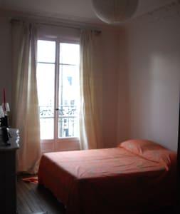 Chambre a louer - Lägenhet