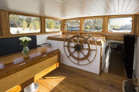 WOW! LUXURY DUTCH BARGE LONDON - London - Boat