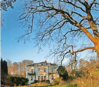 Schloss am Meer direkte Strandlage - Schwedeneck - Casa de campo