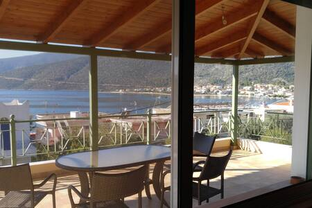 Villa for 10 - Sea View - Korfos / Korinthos - Korfos - Villa