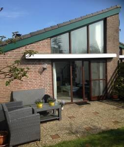 Seychell - Egmond aan Den Hoef