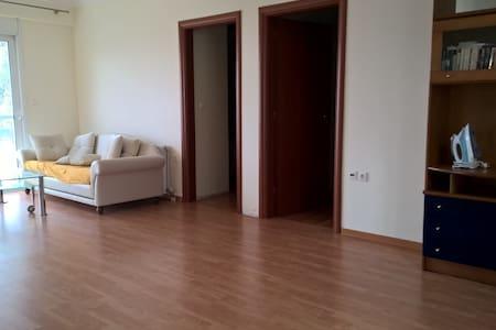 Quiet Maisonette house at Plagies Lagonisi area - Kalyvia Thorikou