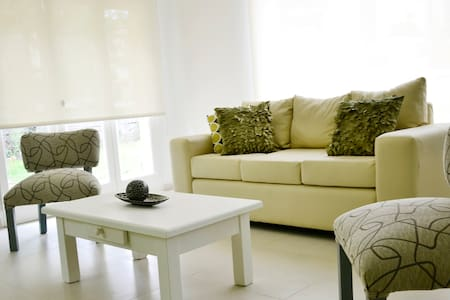 House in Pinamar Norte 100 mts from the Beach - Hus