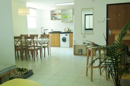 A quiet spaciuos place in Arad - Arad - Apartment
