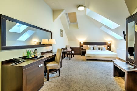 Spacious double room on II Floor of Luxor Hotel - Jiné