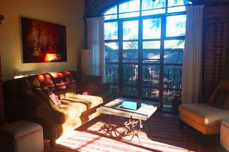 PEACEFUL, SUNNY 1BR TREETOP APT W/ROOF TERRACE - San Miguel de Allende