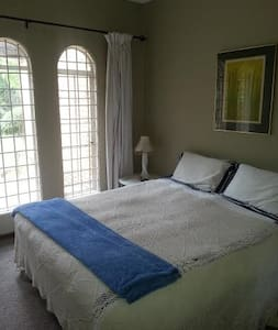 JOHANNESBURG - TWO GUEST ROOMS