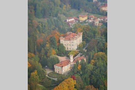 B&B Castello Montecavallo Biella cr - Bed & Breakfast