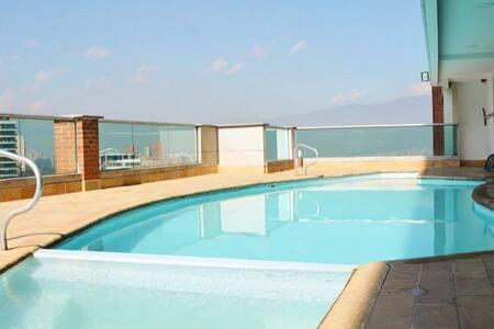 Blux # 1502 (Lleras, Pool & View) - Byt
