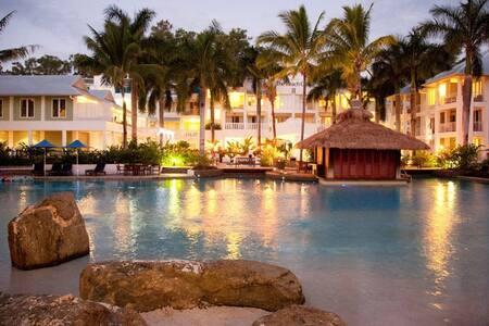 5313 Coral Suite, Beach Club