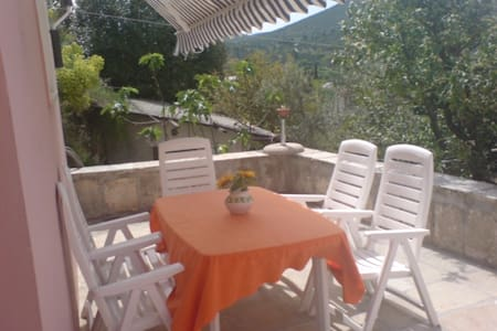 Peaceful apartment  50m from beach - Cavtat