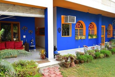 Cosy Homestay Near Taj Mahal - Agra