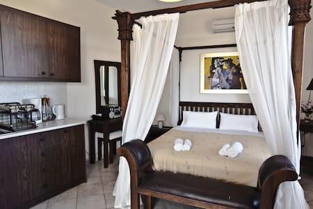 Superior Sea View Studio/Apartment - Perama - Bed & Breakfast