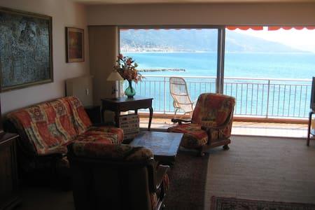 Beautiful view Gulf of Menton - Apartmen