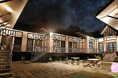 Tudor Bungalow, Le' Manah Retreat, Janda Baik - Bentong