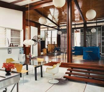 Enjoy Accra at design b+b (Room 2)