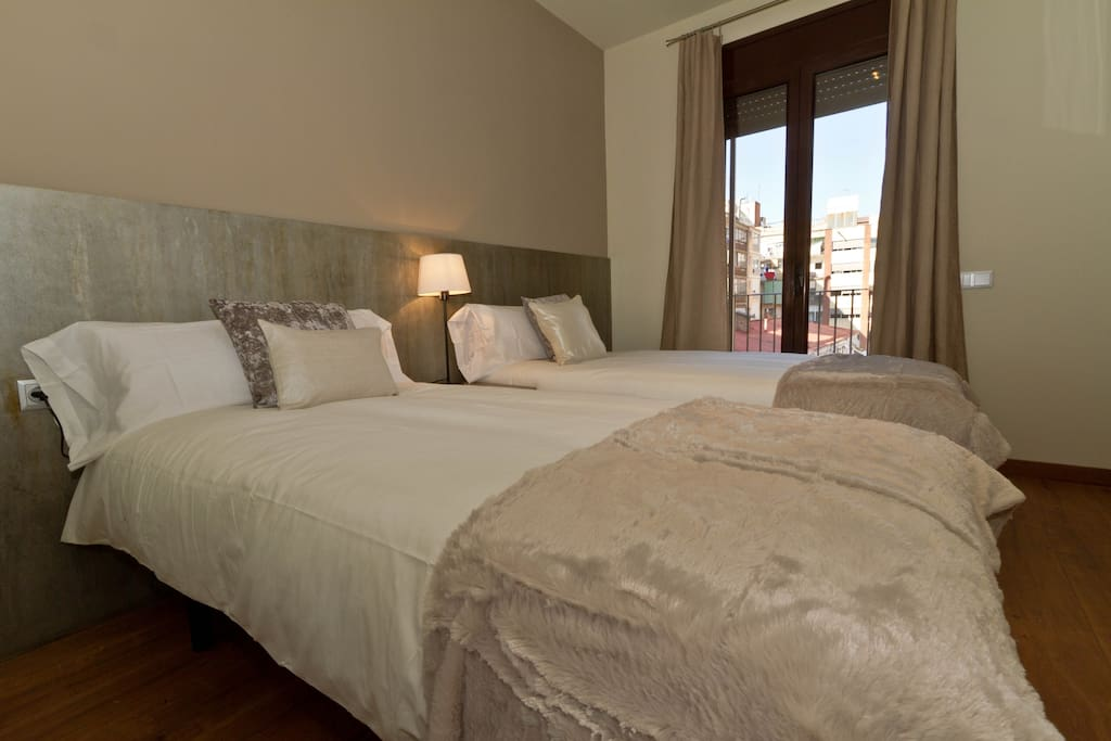 Luxury Barcelona Center Up to 12