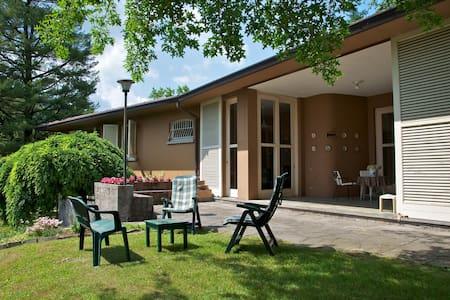 Villa dei laghi-family owned - Villa