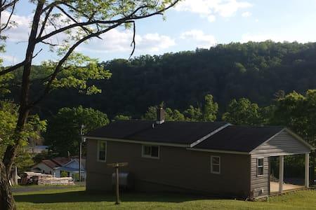 Cute 2 Bedroom House Nat'l Forest-Rivers & Trails - Ház