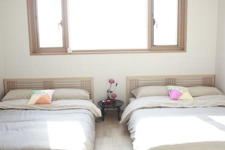 2br/4beds Traditional @Seoul Stn.