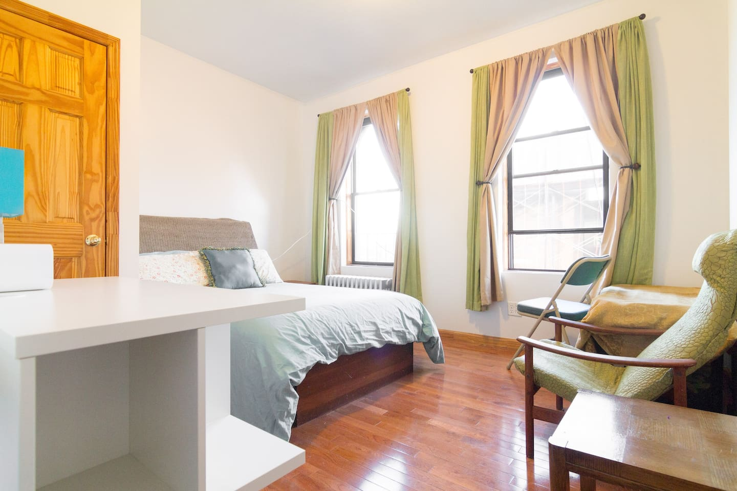 Ludlow 2 BDRM in Historic & Fun LES