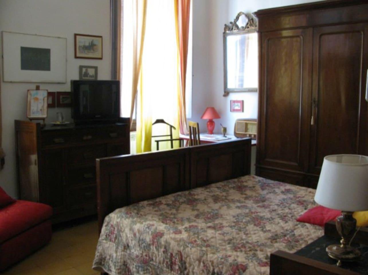 Orange room (double room)