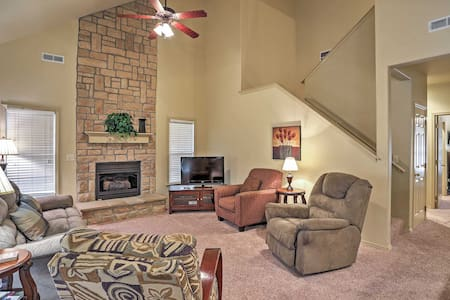 Inviting 3BR Branson Condo - Reeds Spring