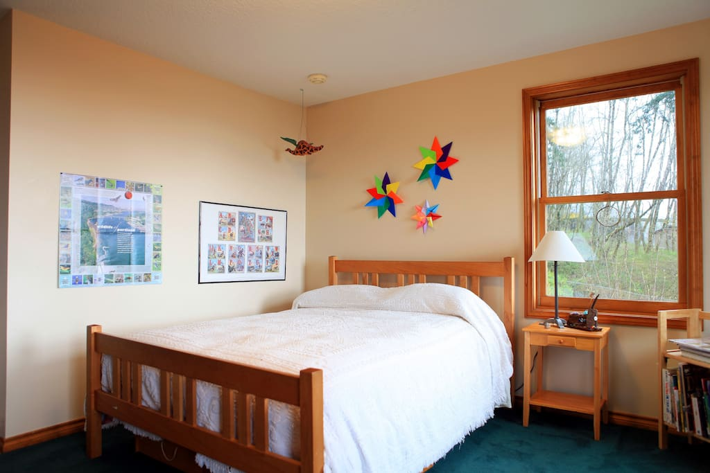 Powell Butte-City Views- Maple Room