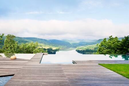 Chambre d'Hôtes design avec piscine - Lissac-sur-Couze