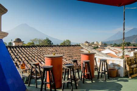 Taanah 3 BEST REVIEWED ↓ - GREAT VIEWS - BREAKFAST - Antigua Guatemala - Maison