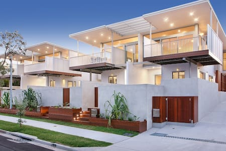 The Coves - REFINED BEACH SIDE LIVING - HOUSE 1 - Haus