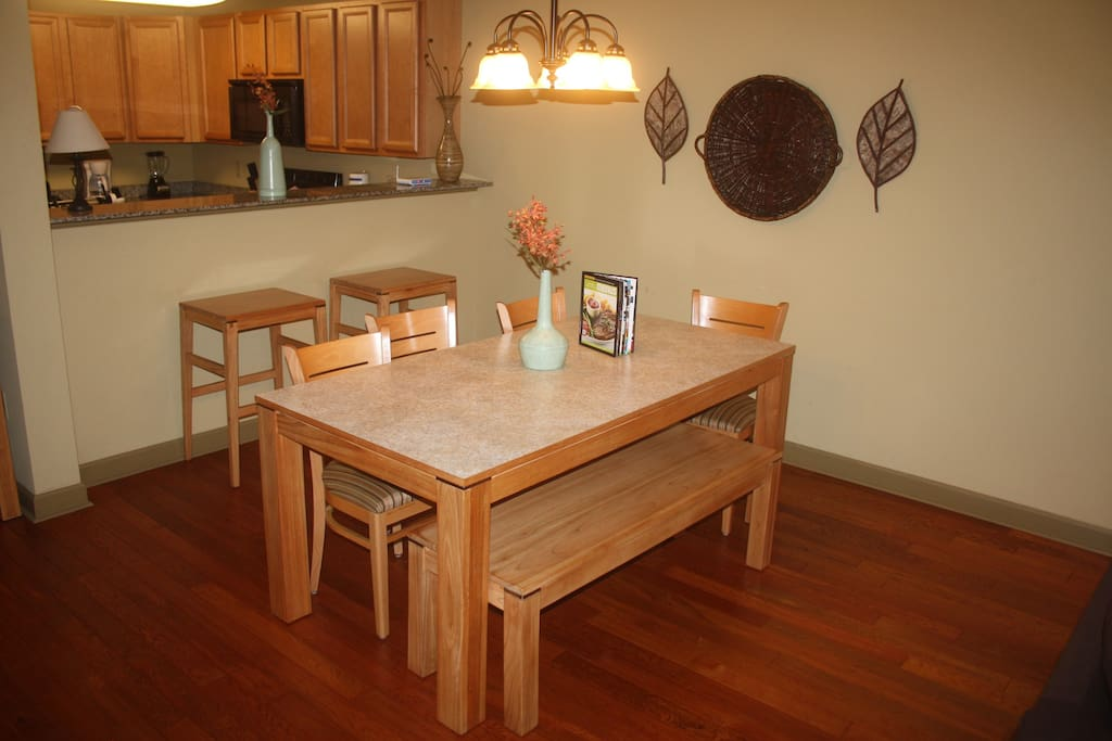Convenient dining area and breakfast bar counter