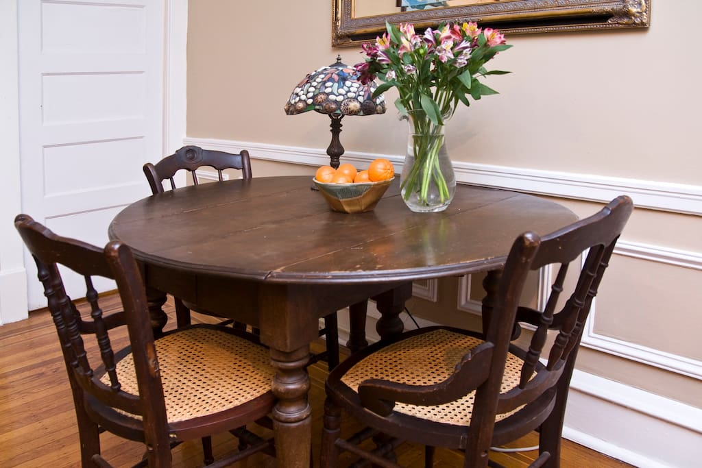 Dining room table (can seat 5)