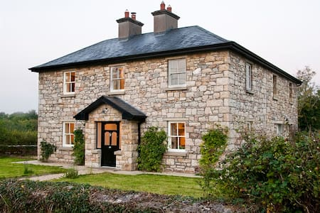 A Beautiful lrish Country House - Talo