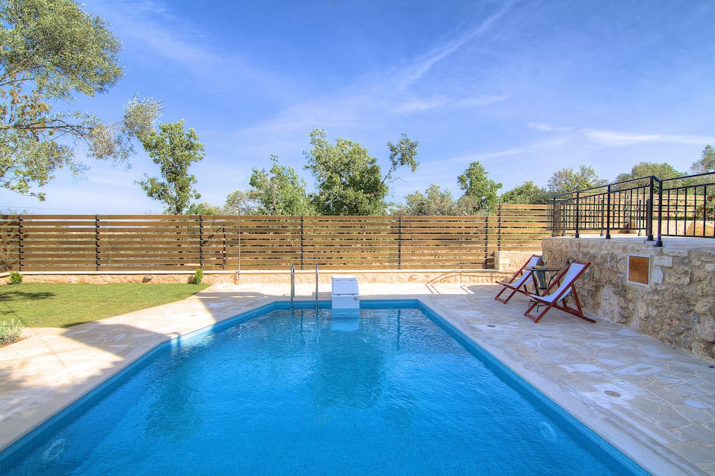 35 square meters private swimming pool offering full privacy!