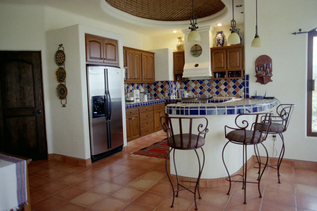 Gourmet Kitchen, fully equiped.