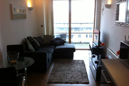 2 Bed Apartment - Central Leeds