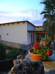 B&B VILLAMOLA - Bed & Breakfast
