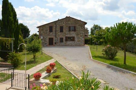 Agriturismo Bardanella  - Leccino