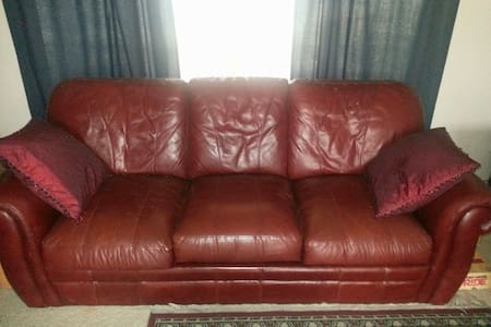 Couch Bed for rent in Kuna, Idaho - Kuna - Casa