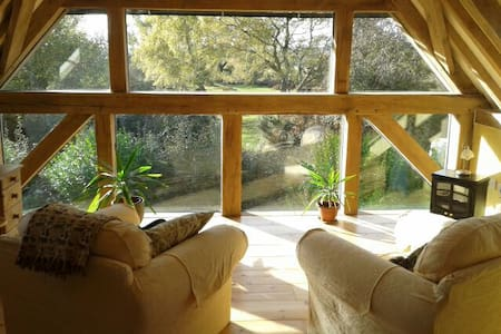 New Forest Oak Framed Cottage in Amazing Location - West Wellow
