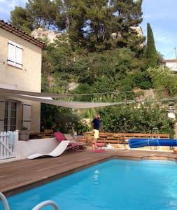 villa 3 chambres, piscine, Provence - Villa