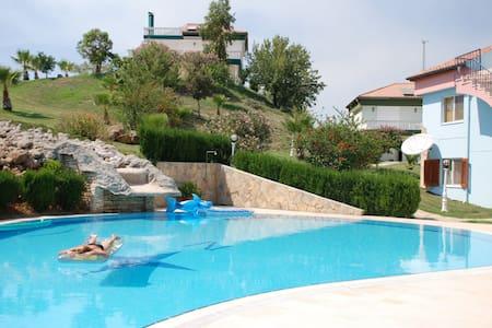 Quiet villa Belek Antalya Turkey - Casa