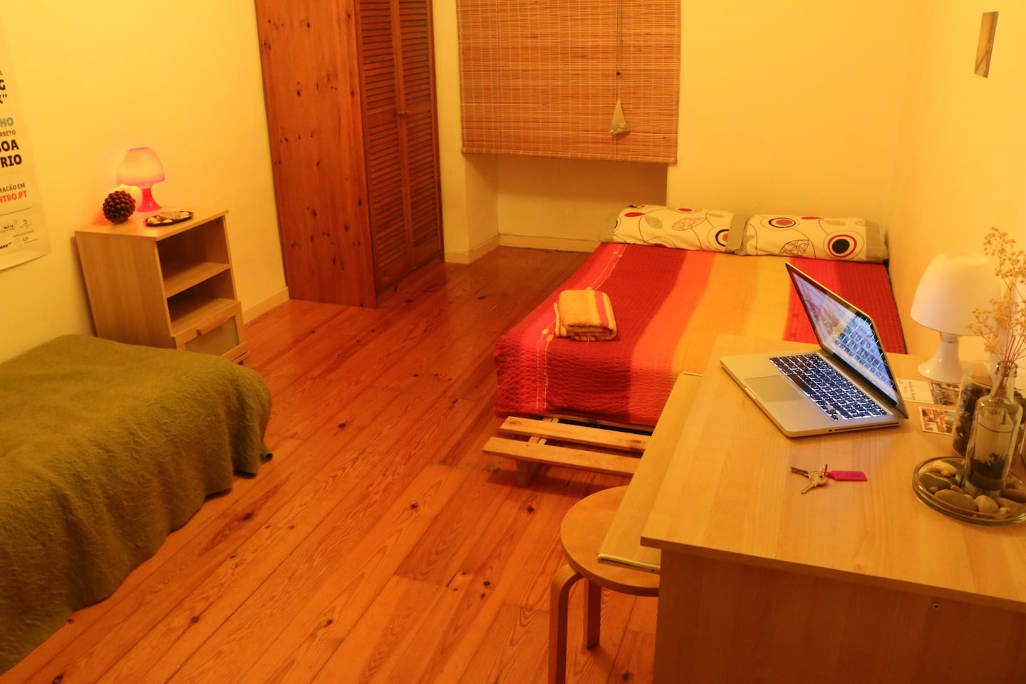 Room with 2 beds- Historical Center