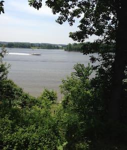 Bordure de  rivière des outaouais - Ház