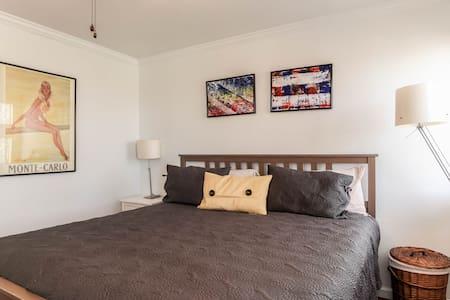 Spacious Condo: All Yours! - Austin - Apartment