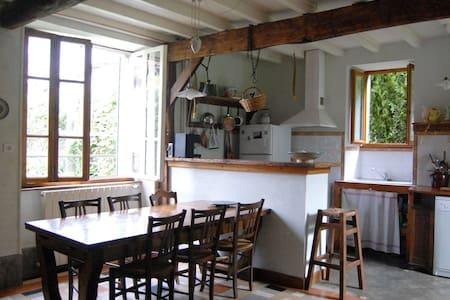 Jolie maison 1906 renovée - Hus